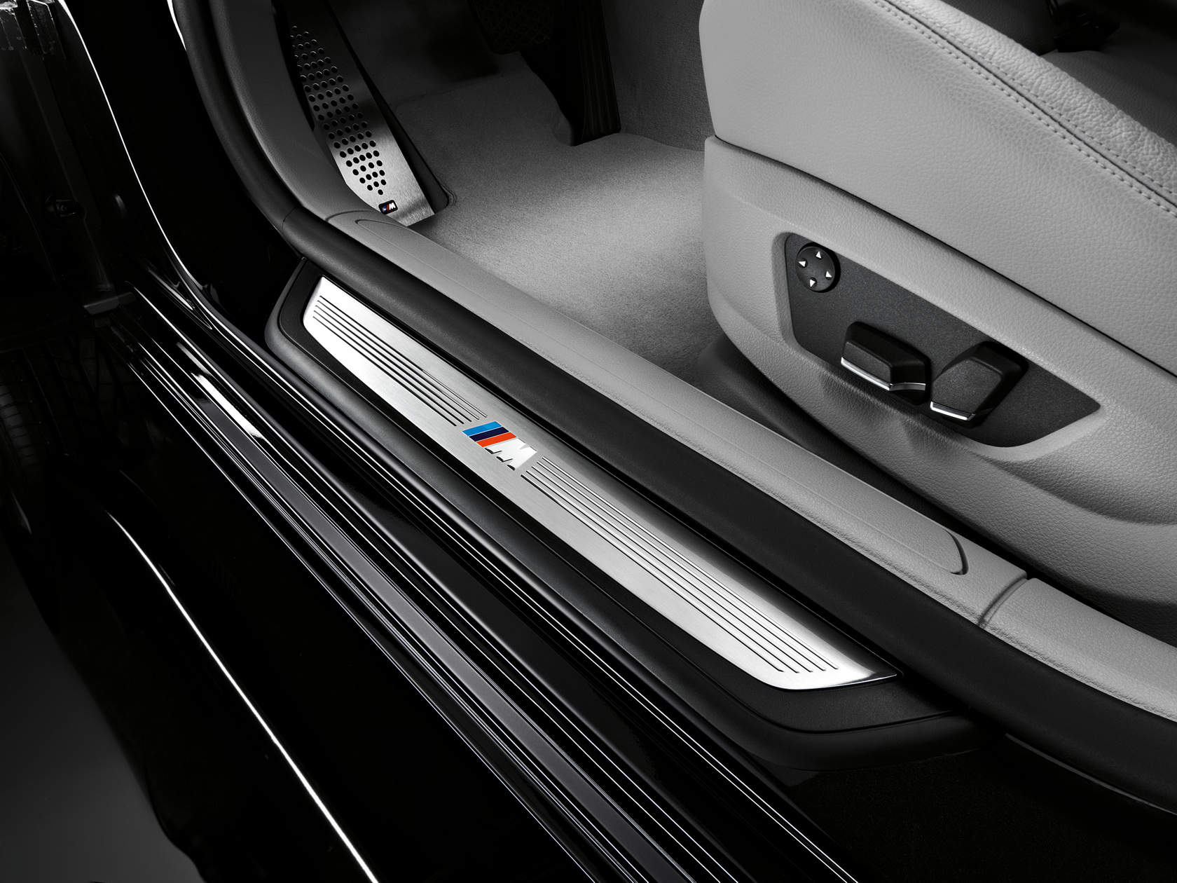 Official: 2010 BMW 7 Series M Sport, BMW 740d and xDrive